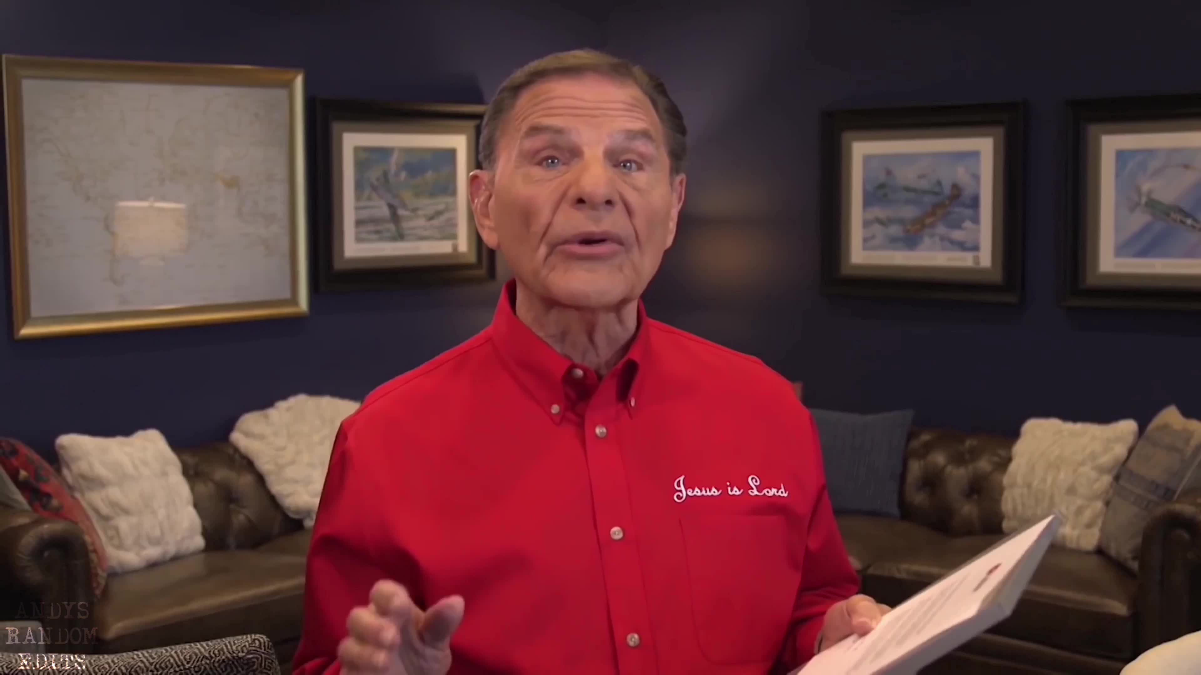 "KENNETH COPELAND RECEIVES THE ""SILVER CREATOR"" AWARD"