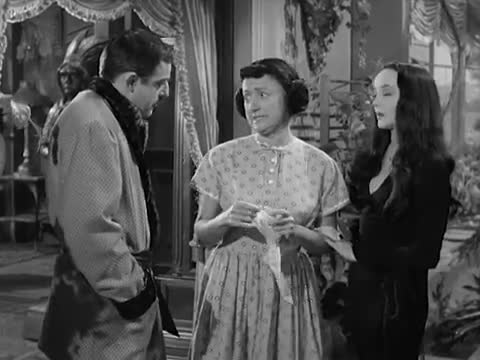 Morticia, The Matchmaker (Full Episode)  MGM